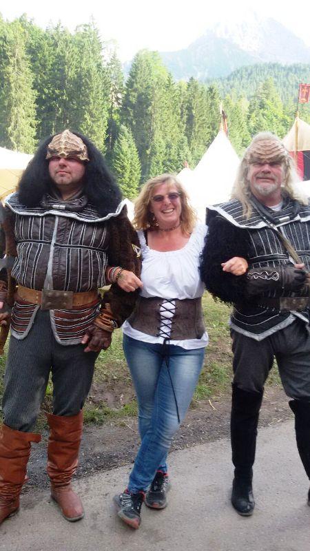 http://www.reitergruppe-roethenbach.de/media/Bilder_HP/Vereinsausflug_Ehrenberg_Ritterspiele_2017/Vereinsausflug_Ehrenberg_Ritterspiele_2017_(2).jpg